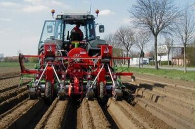 2-masine-za-povrtarstvo-agricola-italiana-300x225